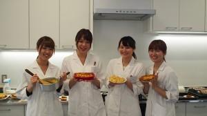 (3)新校舎の栄養指導実習室での実演